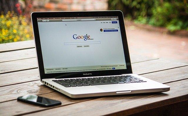 人権作文のテーマとしておすすめのインターネットによる人権侵害とは?